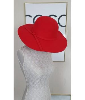 Chapeau classe rouge