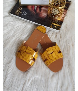 Claquettes yellow croco