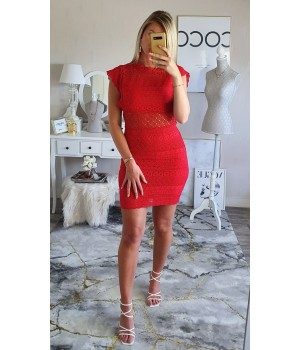 Robe red classy broderie