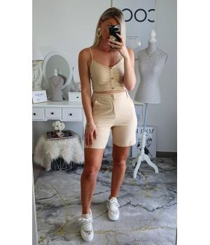 Short casual beige