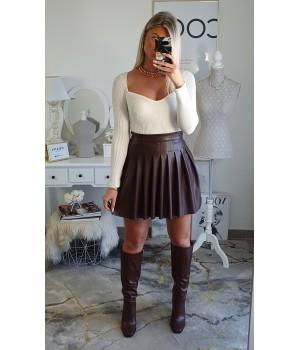 Pleated skirt imitation choco